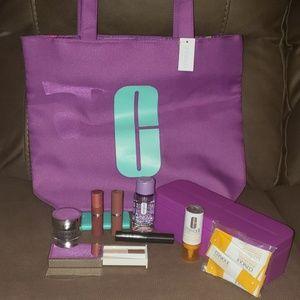 Clinique Gift Set w/Tote Bag & Makeup Caddy